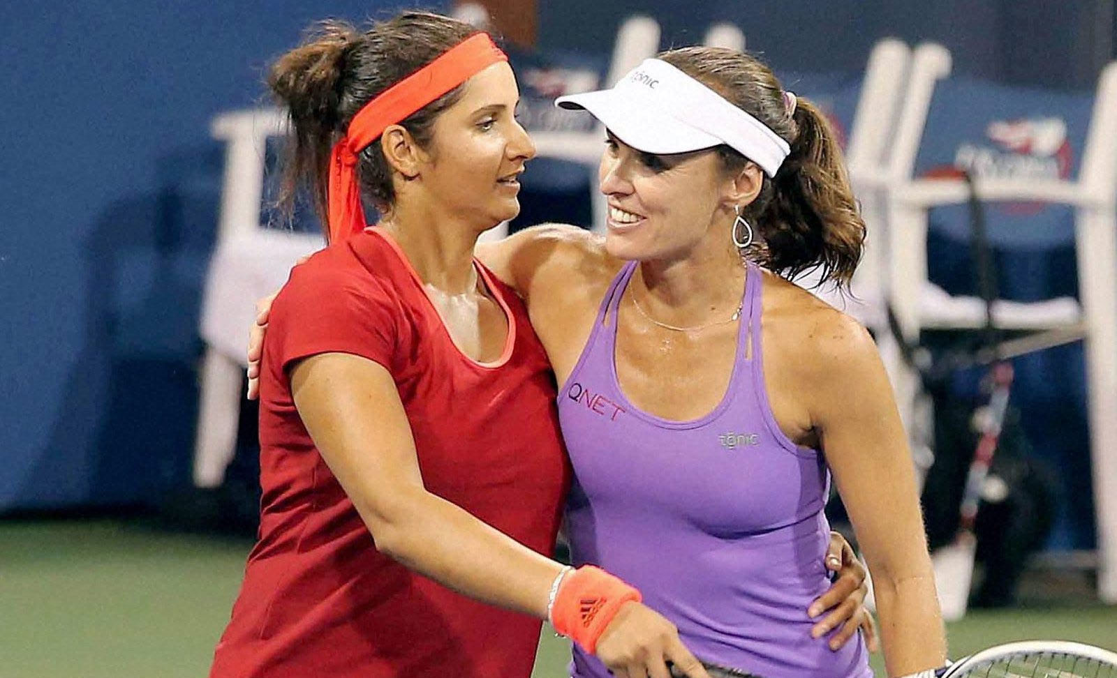 Sania, Hingis enter into Doha quarters with an unbeaten winning streak of 41 matches